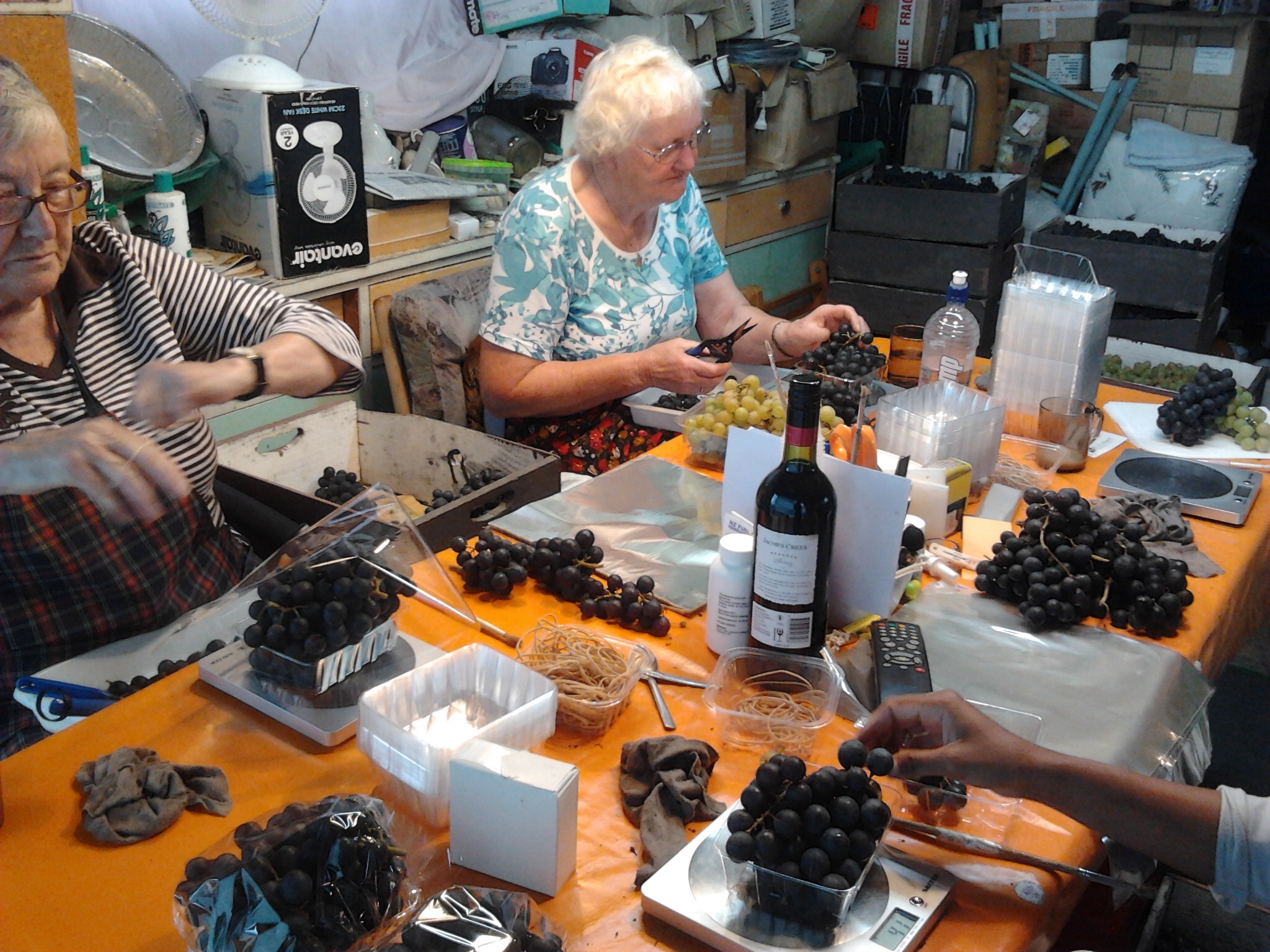 Grape Punnet Preparation